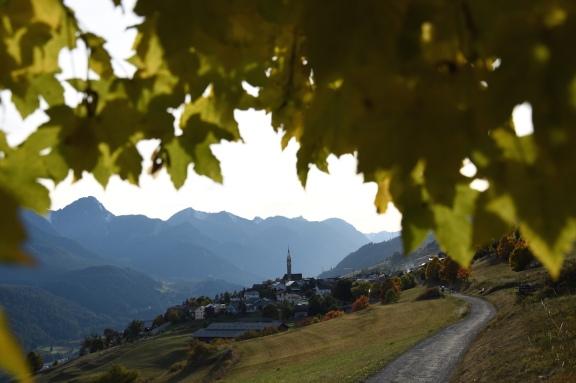 Sent_Aussicht auf Sent im Herbst