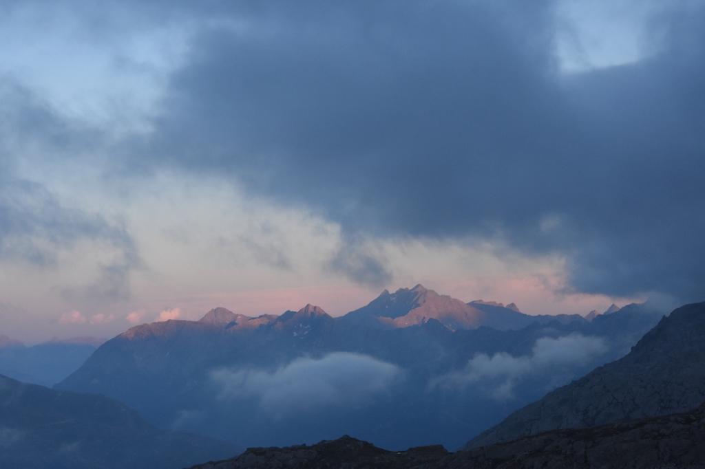 Wandern_Gotthard_5Seen_Sonnenuntergang