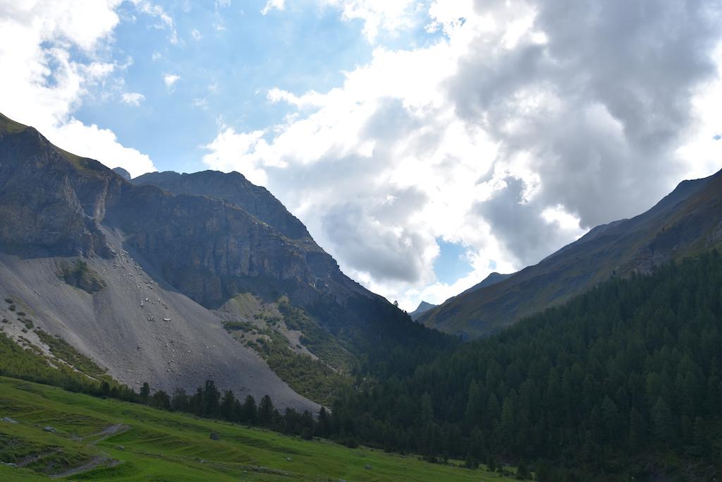 Wanderung zum Lajet da Lischana_Aussicht Val Sesvanna