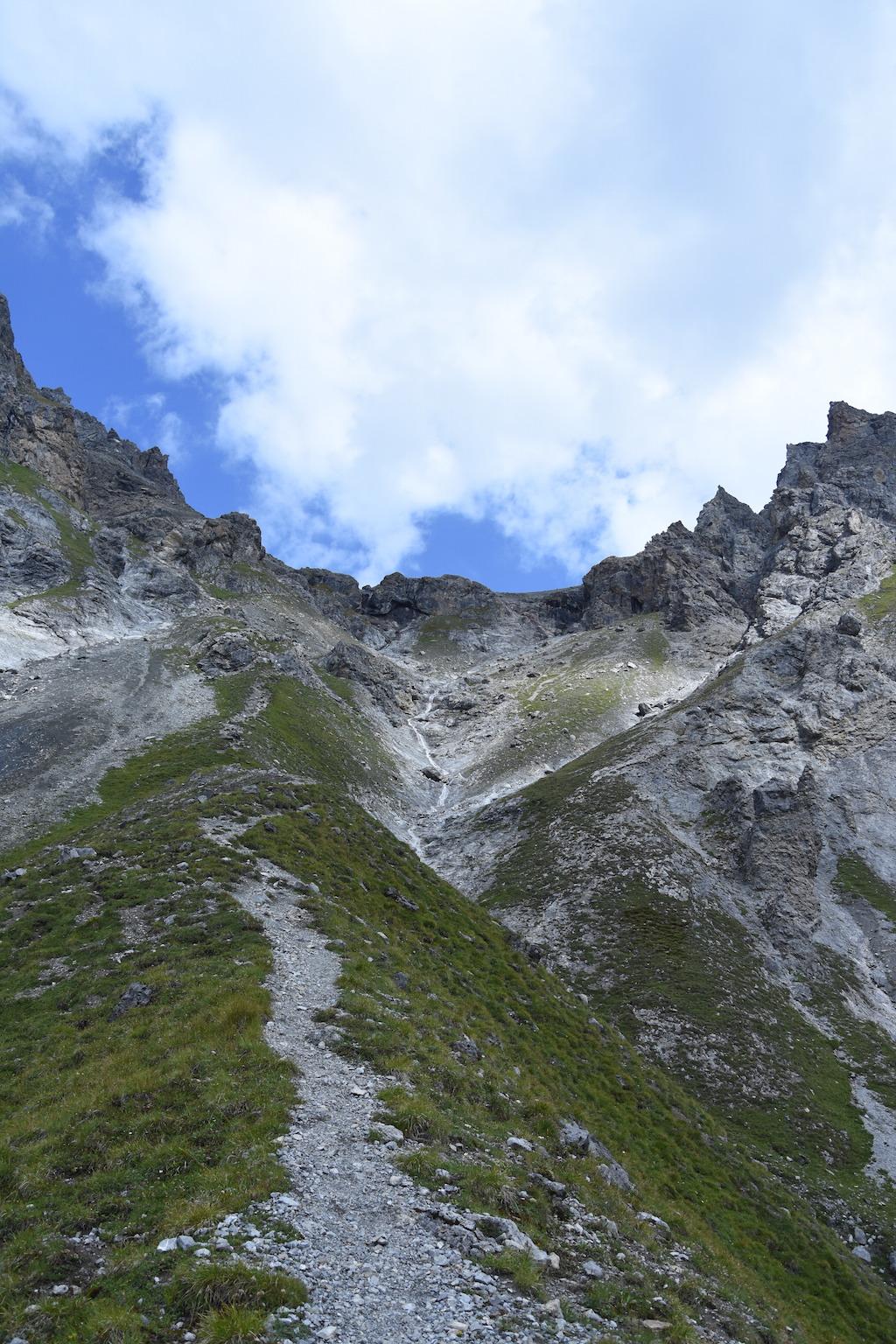 Wanderung zum Lajet da Lischana_Weg durch Fora da lAua